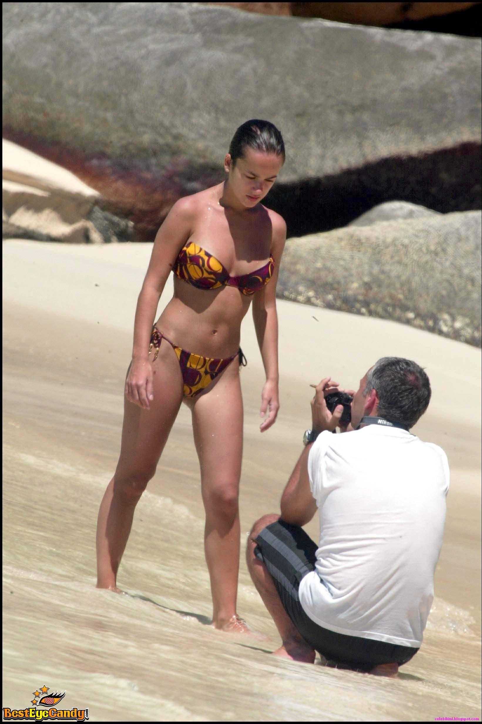 Alizee Nue Photo alizée - fatcelebs - curvage